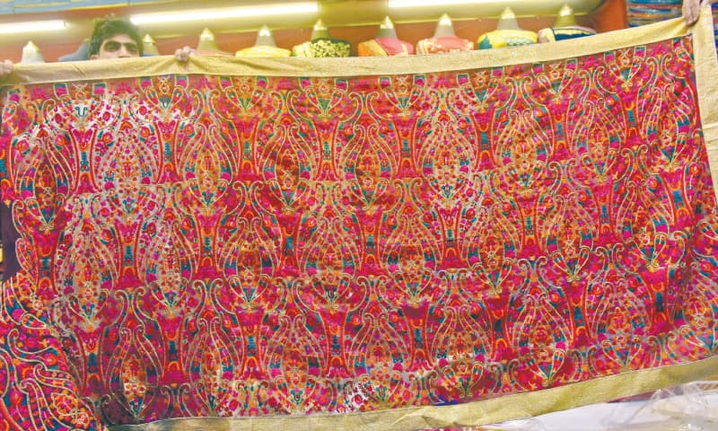 A heavily-embroidered Chiffon sari. / Photos by Fahim Siddiqi / White Star