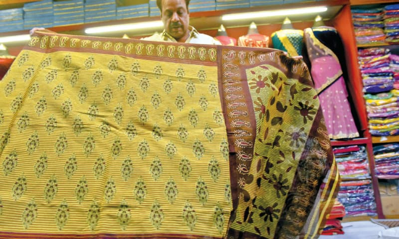 A crisp and starched cotton sari from Bangladesh. / Photos by Fahim Siddiqi / White Star