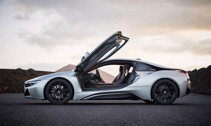 بی ایم ڈبلیو کی نئی ہائیبرڈ گاڑی متعارف