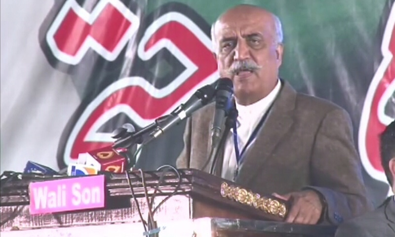 Khursheed Shah addresses the rally.— DawnNews