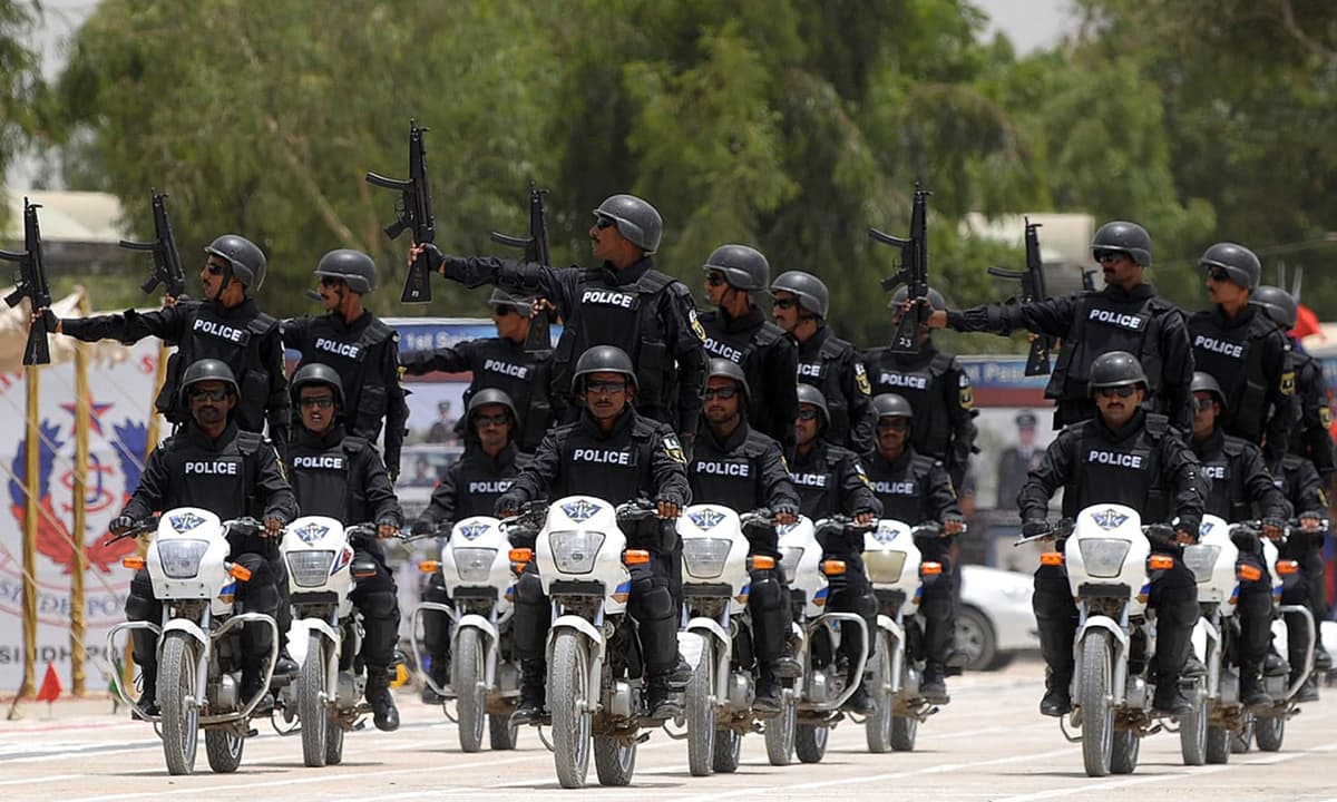 Police commandos take part in a passing-out ceremony of the Special Security Unit (SSU) in Karachi on June 15, 2015 | AFP