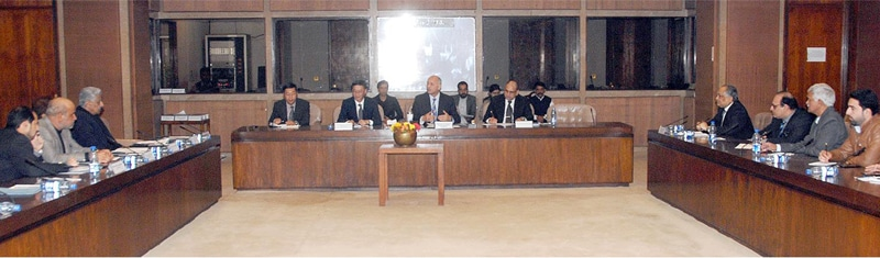 ISLAMABAD: The chairman of the Parliamentary Committee on CPEC, Senator Mushahid Hussain Sayed, presides over a meeting of the committee on Monday. Chinese Ambassador to Pakistan Yao Jing also attended the meeting.—INP