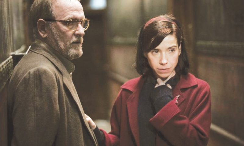 ACTORS Richard Jenkins and Sally Hawkins in a scene from the film, The Shape of Water, which earned 13 Oscar nominations.—AP