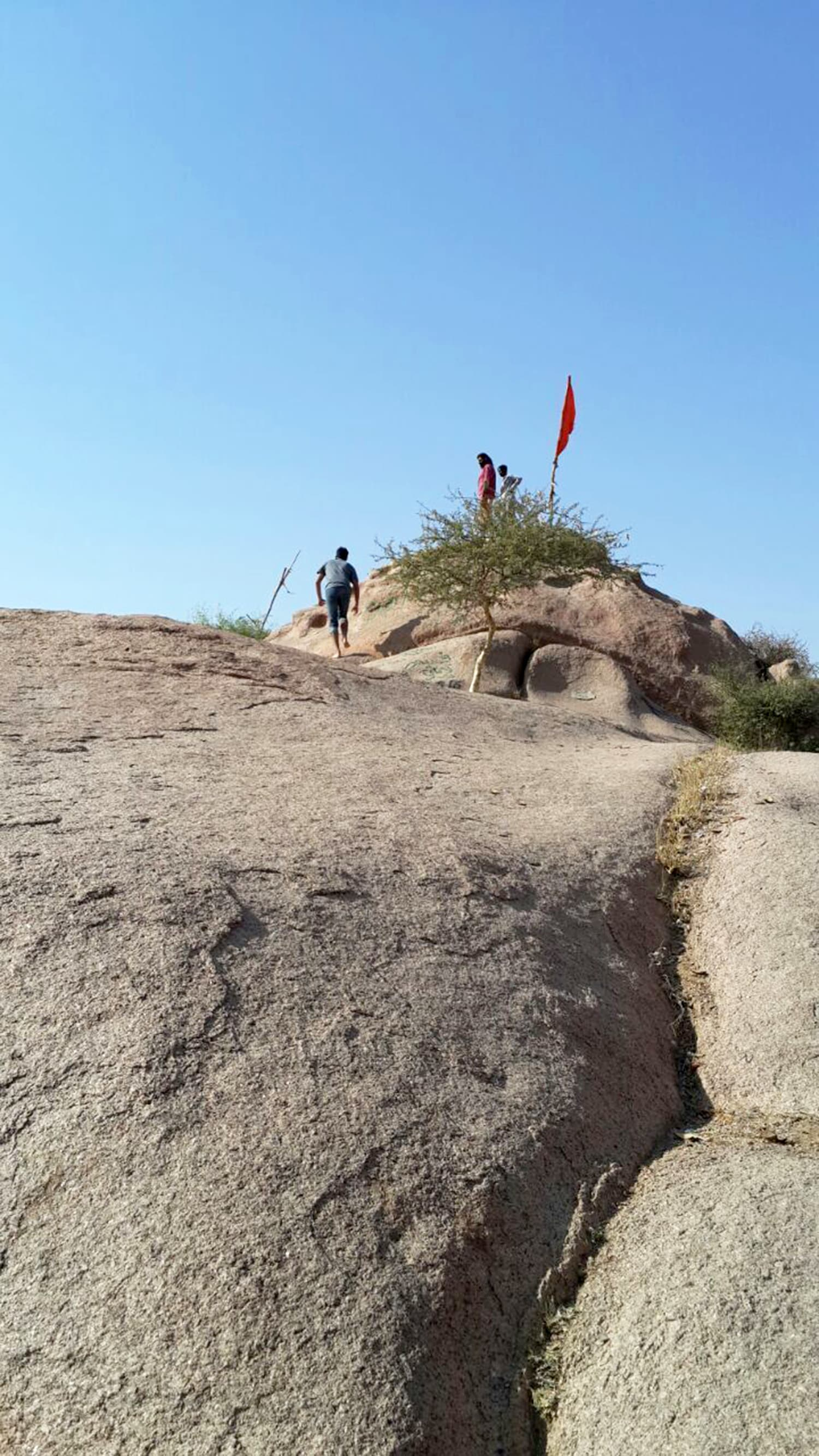 Taking the side route to the Kali temple, from the lower rocks.