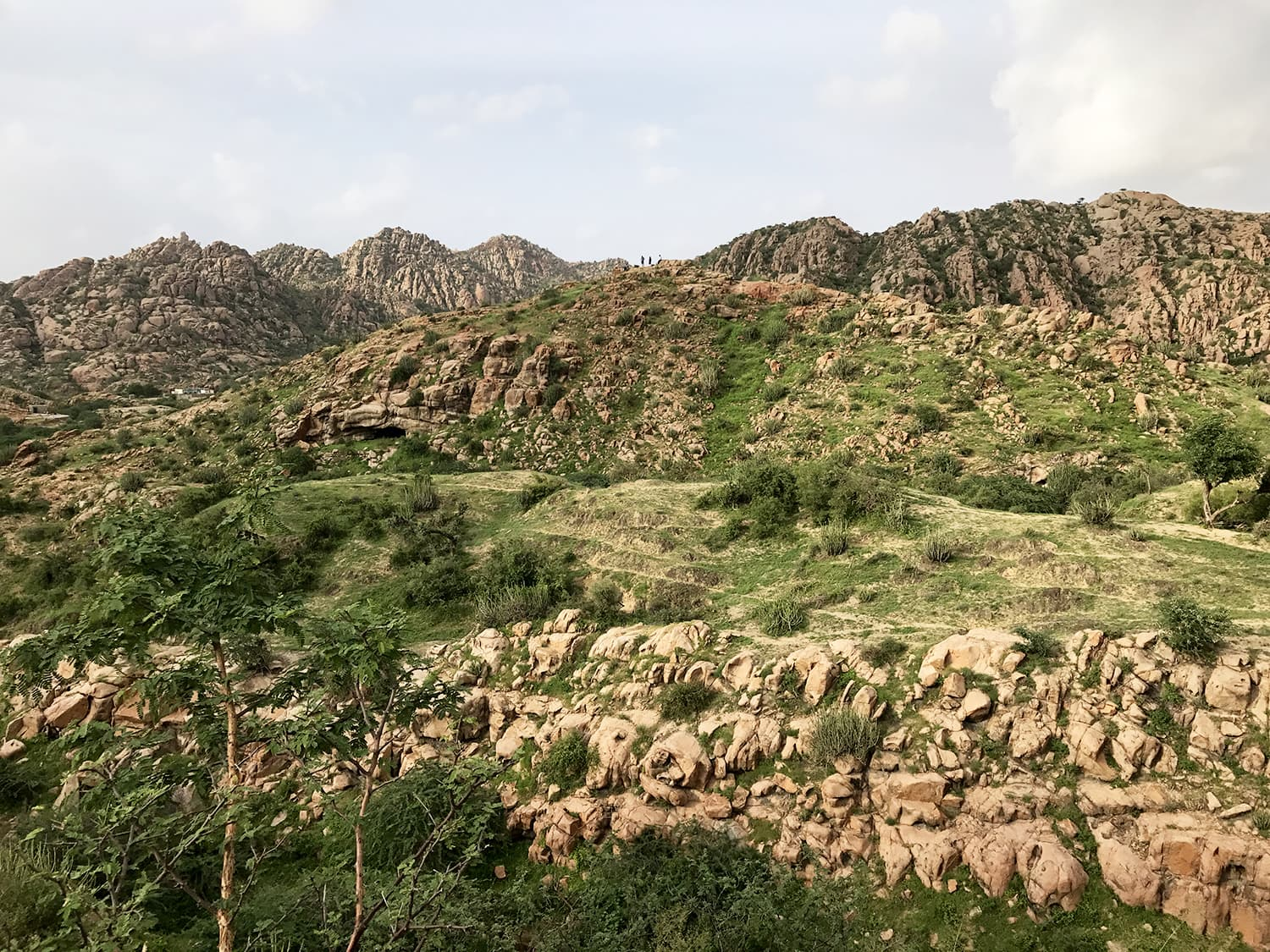 A shot of the Karoonjhar ranges, early afternoon.