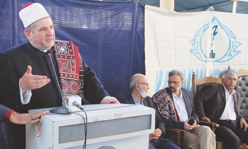 Prof Dr Mohammad Mahmoud Abu Hashim speaks at the Karachi Press Club on Thursday. —PPI