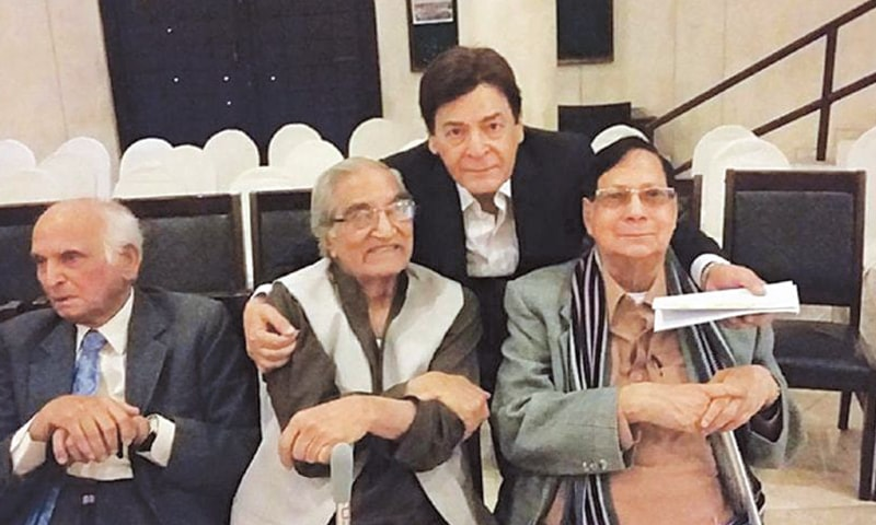 From L to R: Novelist Intizar Husain, Munnu Bhai, actor Qavi and actor and playwright Kamal Ahmed Rizvi
