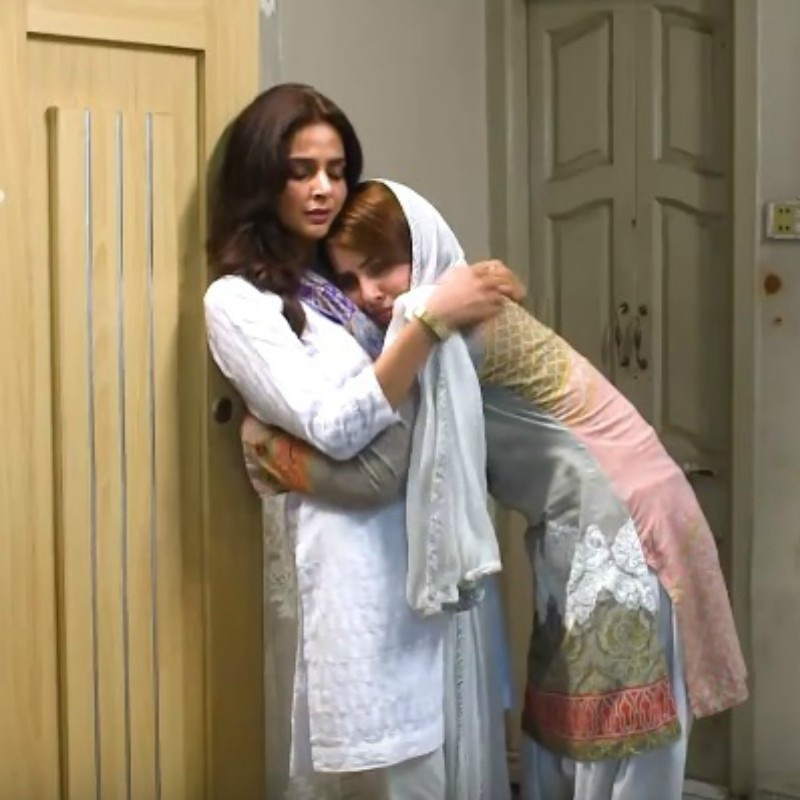 Saba Qamar as Kanwal Baloch and Nimra Khan (R) as her younger sister