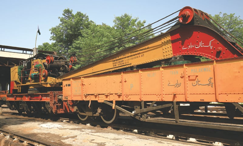 The old Ransomes & Rapier steam-powered crane I have known since 1994 | Photos by the writer