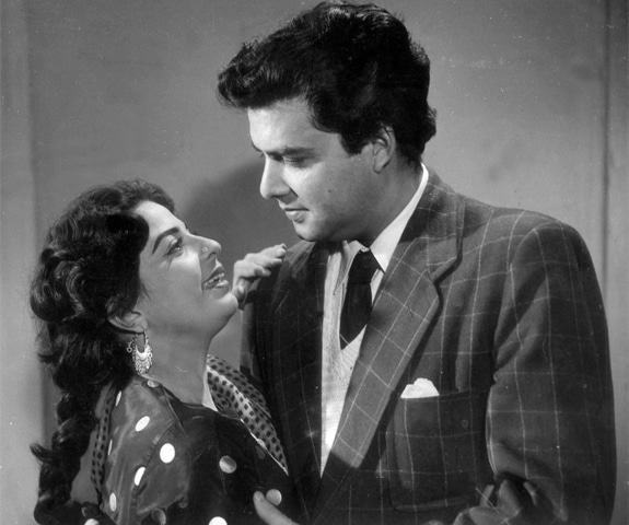 Sabiha Khanum and Santosh Kumar in Hasrat