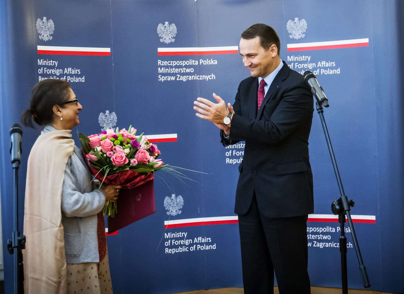 Asma Jahangir is awarded Poland's Pro Dignitate Humana award at a ceremony in Warsaw on Jan 29, 2014. ─ Photo courtesy Polish Ministry of Foreign Affairs