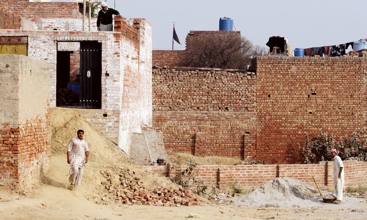 Under-construction houses in Kasur | Feryal Ali Gauhar