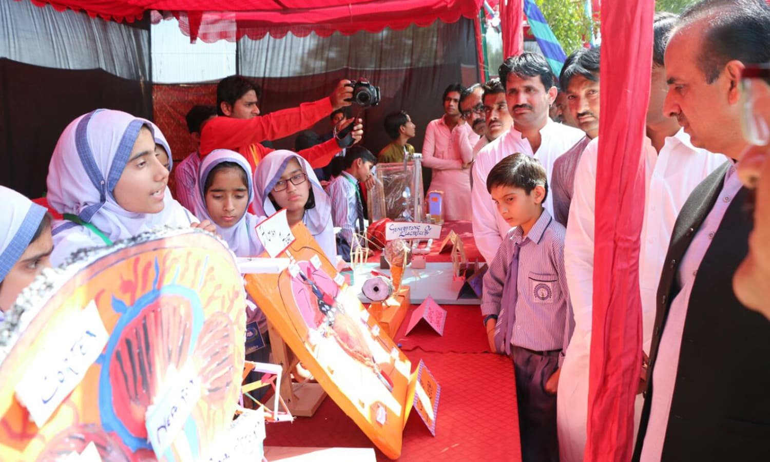 Students participate in Thar Science Festival  Photo by author