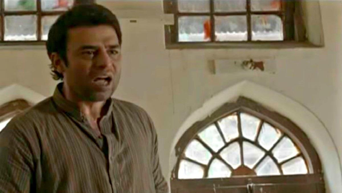 Adnan Sarwar returns to screen as Yasmin's no-good husband, Waqar