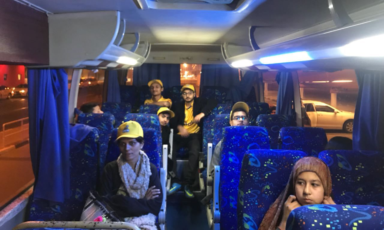 The young Zalmi fans on their way to the hotel — *DawnNews*