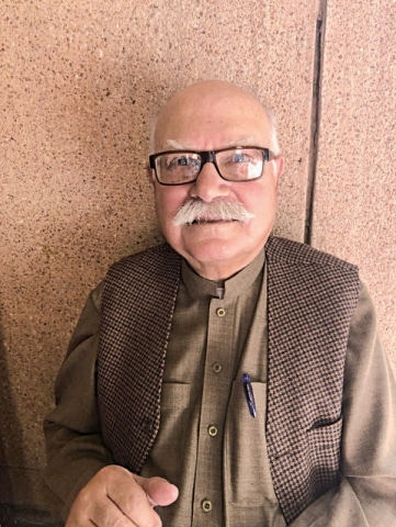 g    Thank you LLF for providing us a chance to speak on Pashto poet Ghani Khan: Imtiaz Sahibzada (Retired civil servant)