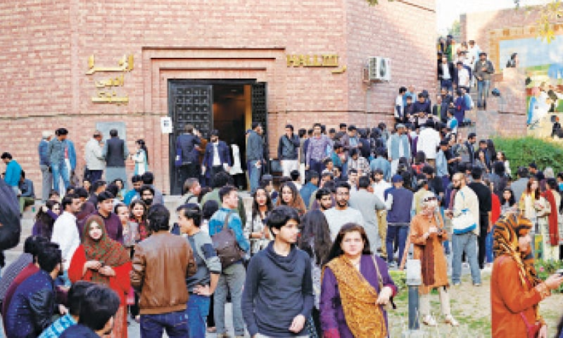 Visitors to the Lahore Literary Festival at the Alhamra Art Centre on its concluding day. — White Star / Murtaza Ali