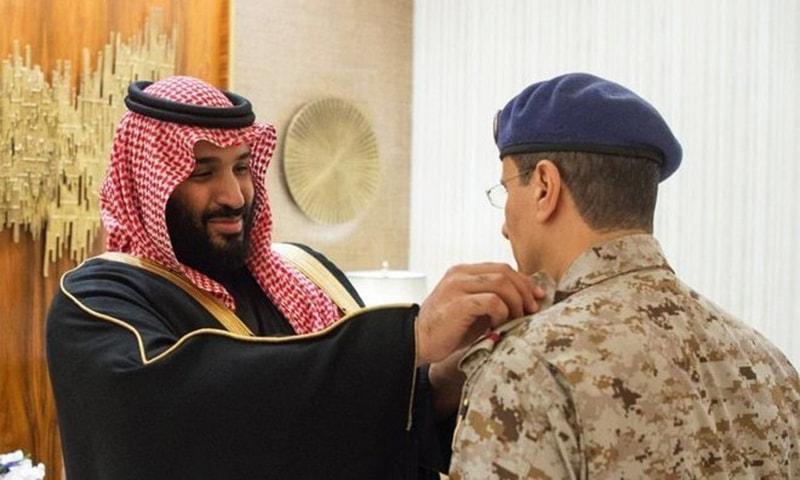 ولی عہد شہزادہ محمد بن سلمان نئے تعینات ہونے والے ملٹری چیفس کے ساتھ ملاقات کر رہے ہیں—سعودی پریس ایجنسی