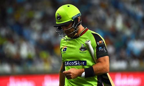 Qalandars raise question over umpiring standards, DRS