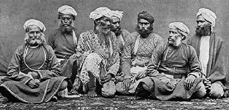 1894ء کے آس پاس کھینچی گئی ٹھگوں کے ایک گروپ کی تصویر۔