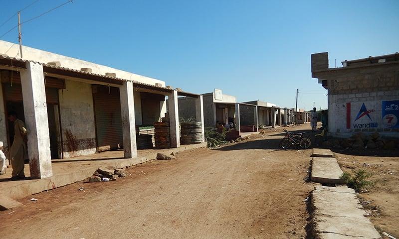 گھوڑا باری کا ویران بازار—تصویر ابوبکر شیخ