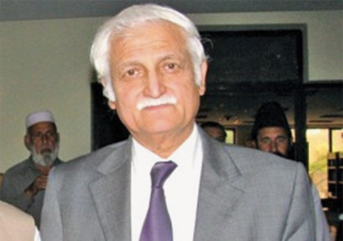 Farhatullah Babar 'removed' as PPP spokesperson after critical farewell speech: sources
