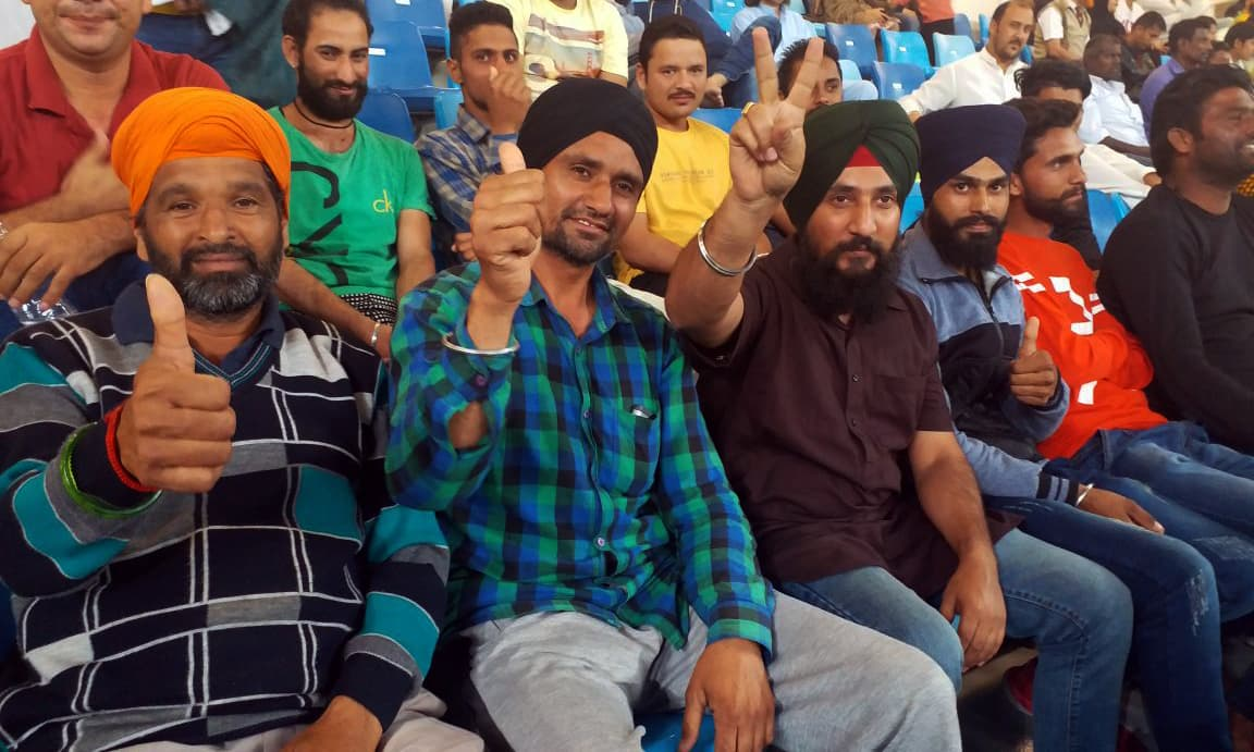 Indian fans call for resumption of cricketing ties. —photo by author