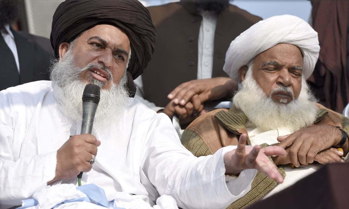 Khadim Hussain Rivzi addresses his followers at Faizabad | Tanveer Shahzad, White Star