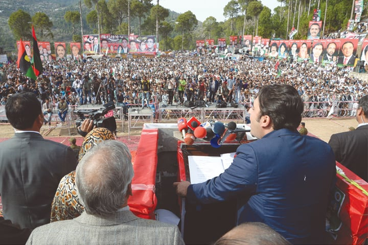 MURREE: Pakistan Peoples Party chairman Bilawal Bhutto-Zardari addresses the public gathering on Sunday.—Chaudhry Ishaque / White Star