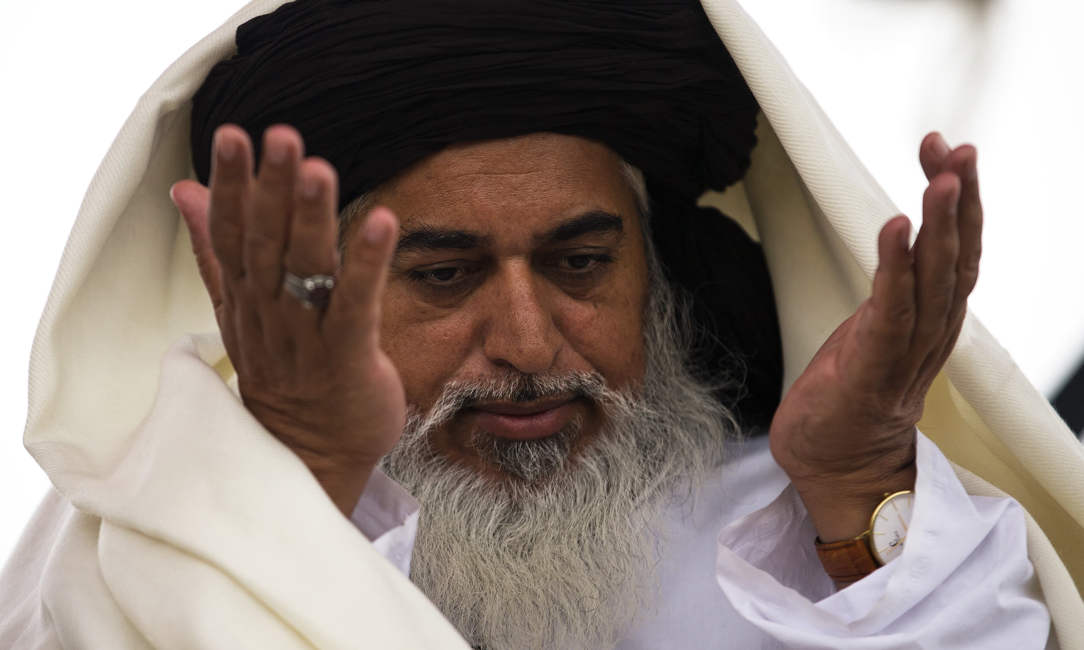 ATC issues arrest warrants for TLP chief Khadim Rizvi, three others in Faizabad sit-in case