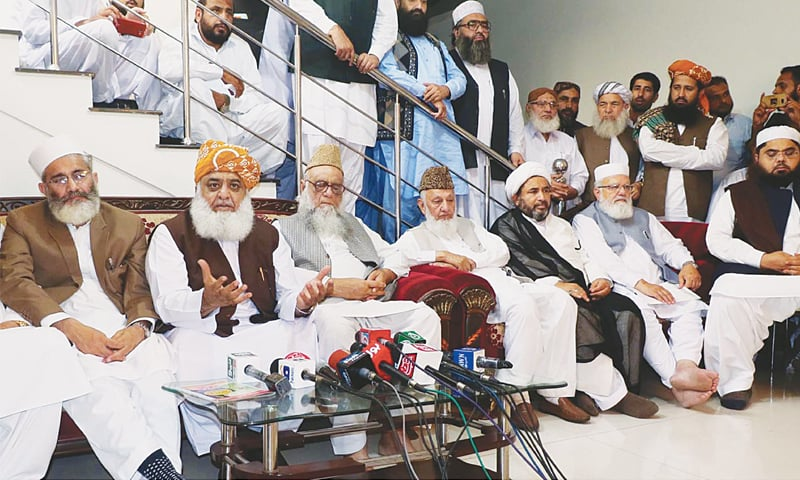 MUTTAHIDA Majlis-i-Amal President Fazlur Rehman addresses the press conference.—Online