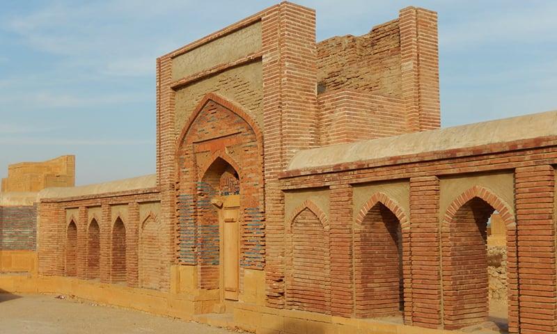 مرزا باقی سندھ کے واحد حکمران تھے جنہوں نے خوشامدی اور مُفت خور شاعروں کو دربار سے دور رکھا—تصویر ابوبکر شیخ