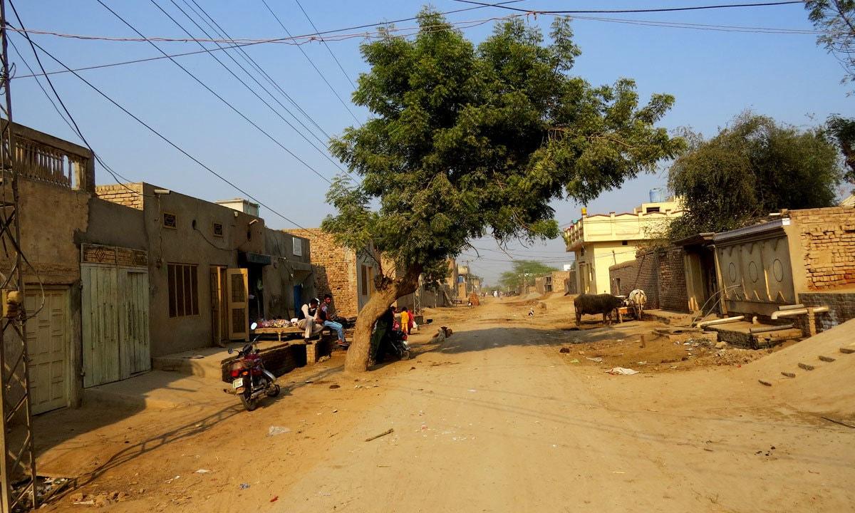 A main street in Devidas Pura