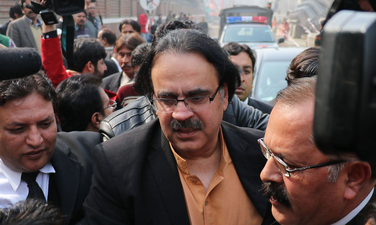 Dr Shahid Masood appears in court over his claims regarding Zainab Ansari's murderer | M Arif, White Star