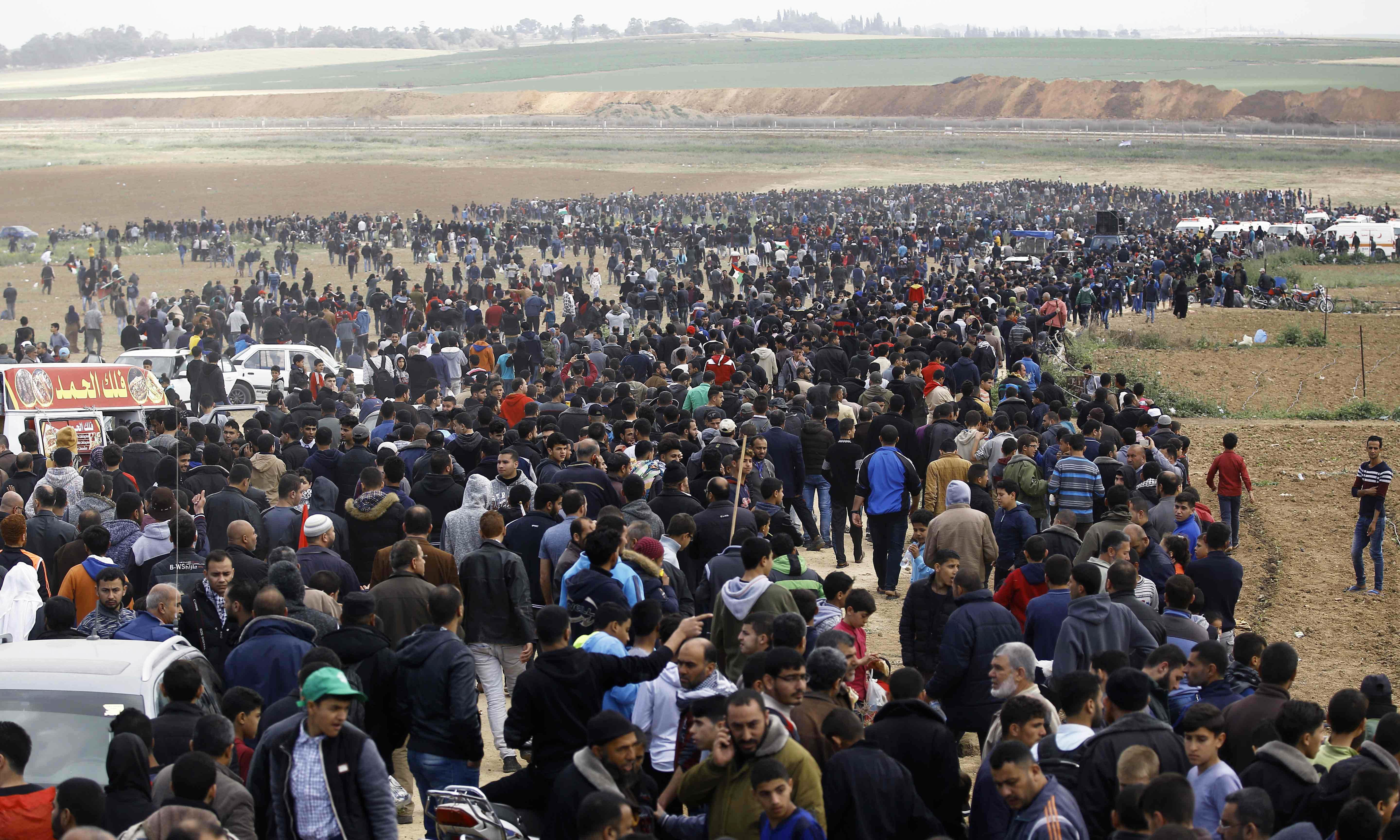 15 Gazans killed by Israeli forces as thousands march near border