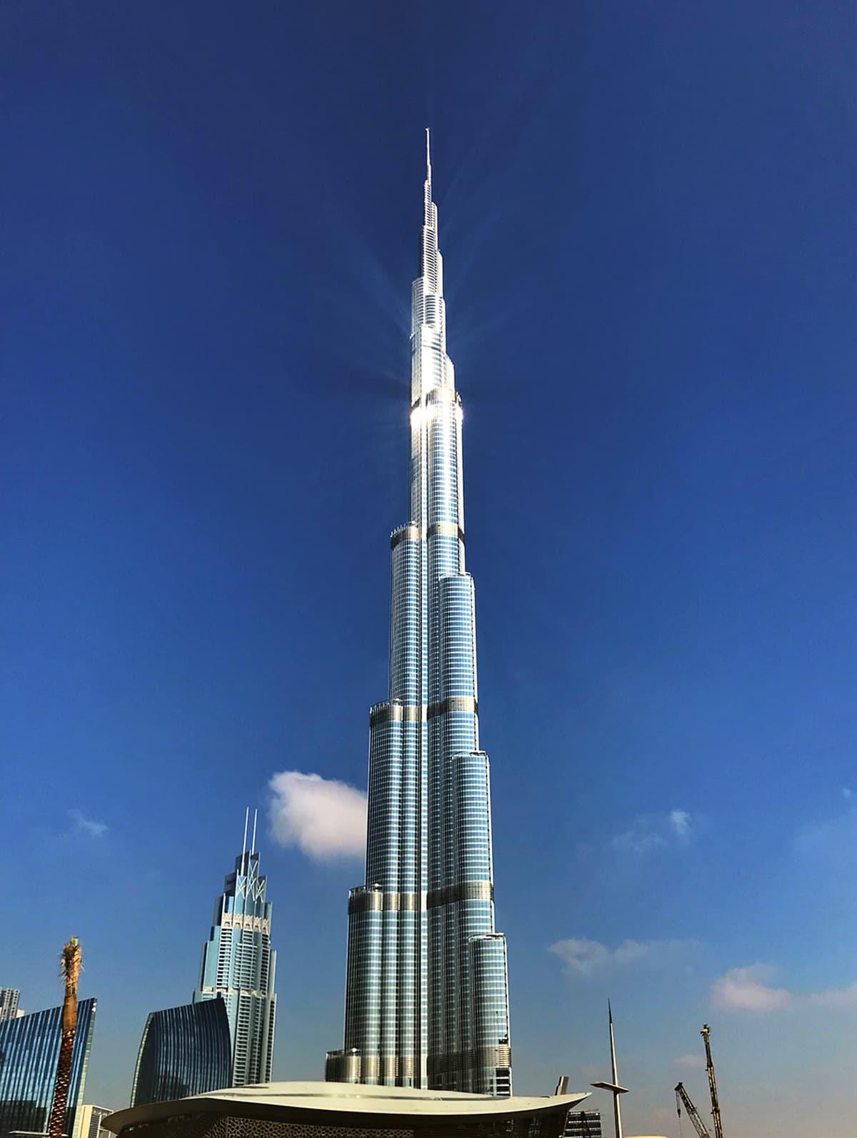برج خلیفہ دبئی کی بلند ترین عمارت ہے۔ — تصویر احسن سعید