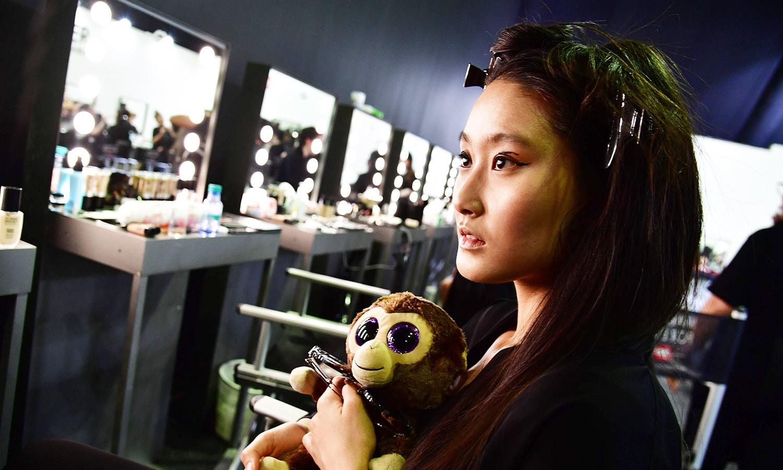 فیشن ویک میں نوجوان خواتین زیادہ دکھائی دیں—فوٹو: اے ایف پی