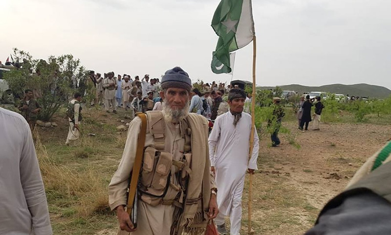 Armed tribesmen arriving to Pak-Afghan border to join security personnel.— Photo provided by author