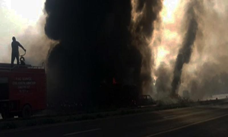 Six family members burnt alive in accident on Karachi-Hyderabad Motorway