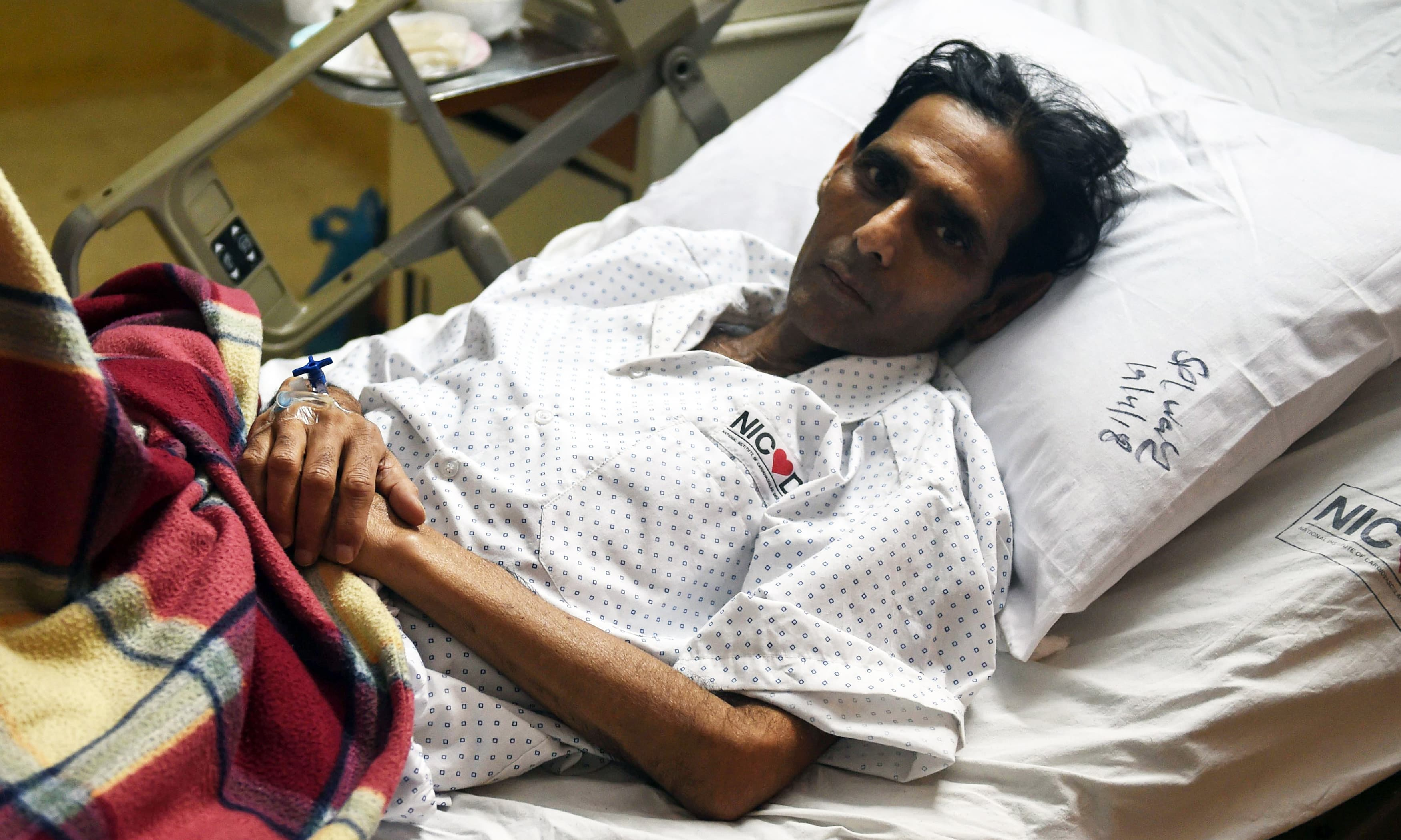 Ailing Hockey hero Mansoor Ahmed seeks New Delhi's permission for heart transplant in India