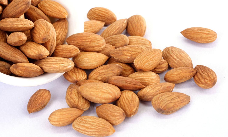 روزانہ بادام کھانا امراض قلب سے بچائے