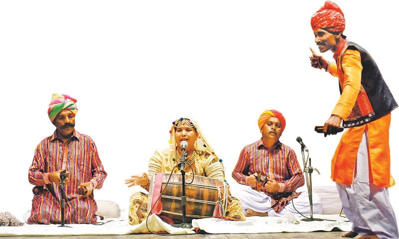 Mai Jeni and Rajasthani/Thari folk musicians from Mithi and Umerkot | Fahim Siddiqi & Faysal Mujeeb/White Star