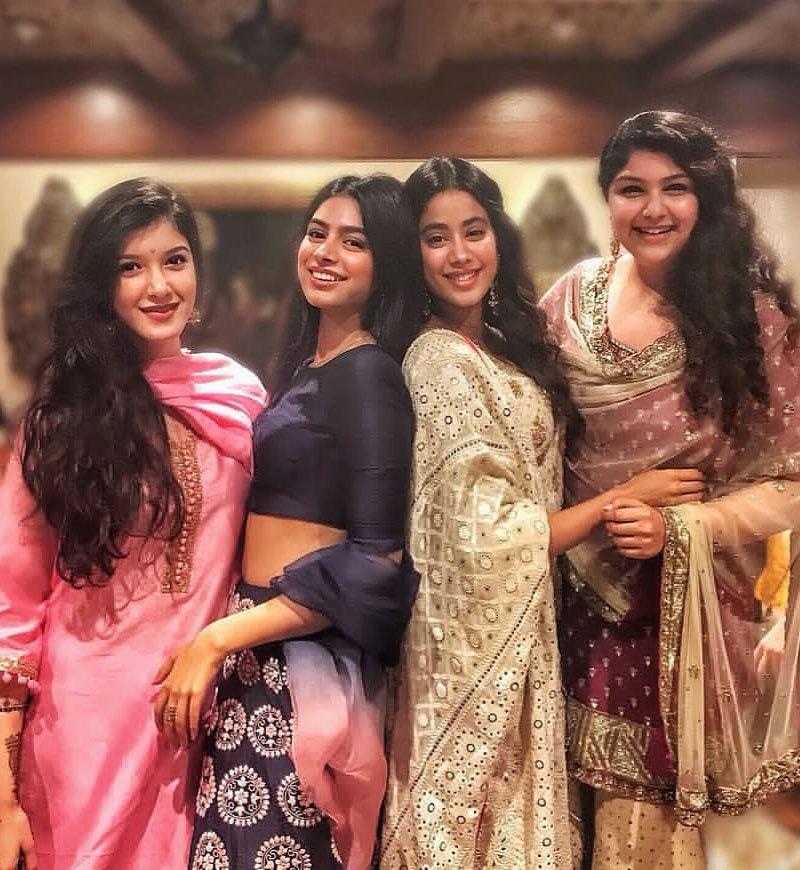 اداکارہ کی کزنز—فوٹو: سونم کی شادی انسٹاگرام