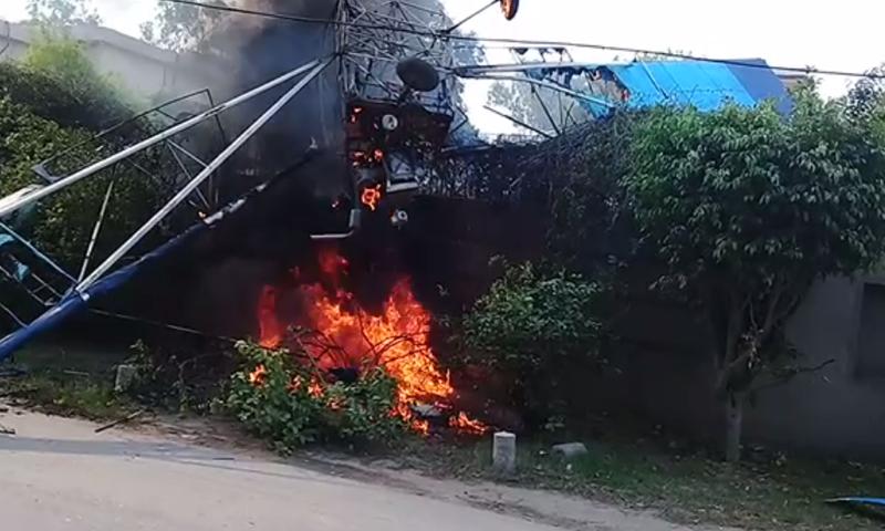 Training aircraft crashes in Lahore; pilot, co-pilot survive