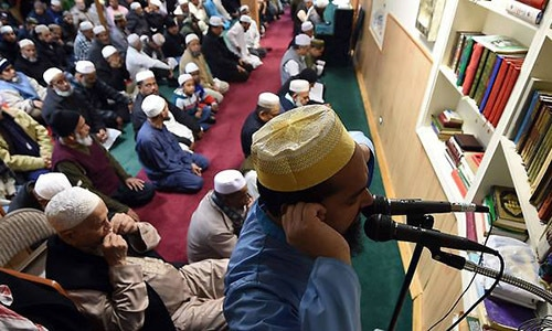 Sweden torn over its police's decision to allow a mosque to hold Azan