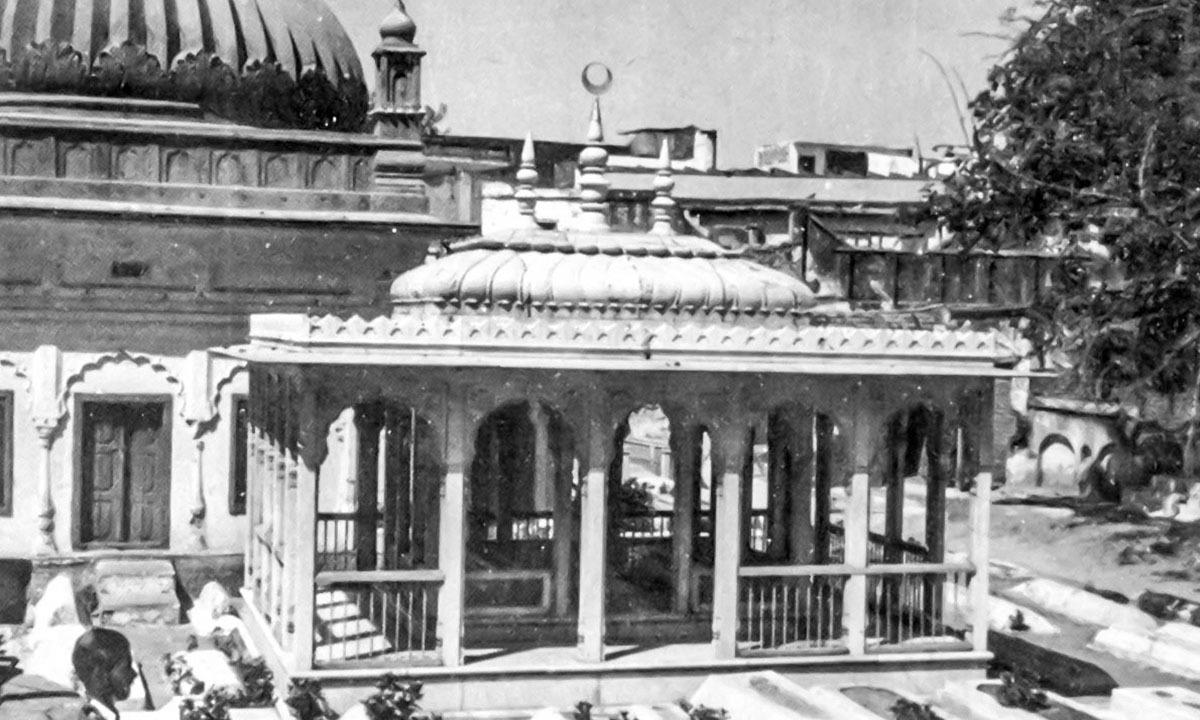 The tomb of Maulana Abdul Bari in Bagh Maulana Anwar, Lucknow