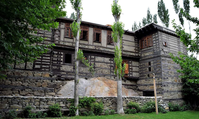 Shigar Palace — see the huge boulder underneath.