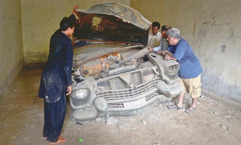 Taking the car apart | Photo Fahim Siddiqi/White Star