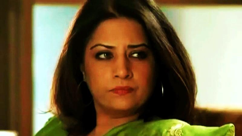 Atiqa Odho as vindictive Fareeda in 'Humsafar'