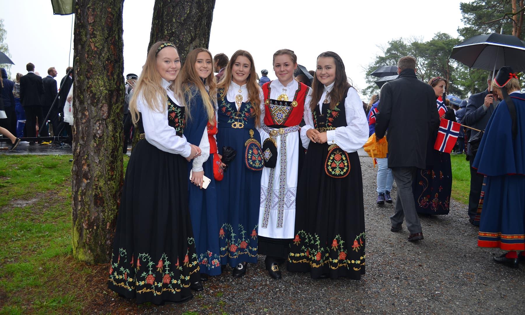 پورے ناروے میں قومی دن پر تقریبات کا انعقاد کیا جاتا ہے—تصویر رمضان رفیق